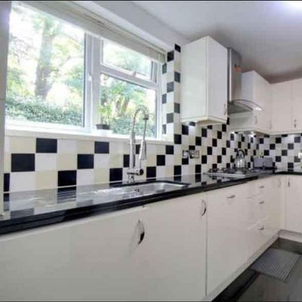 Rent this 2 bed apartment on Totsworth Court in Runnymede GU25 4AH, United Kingdom