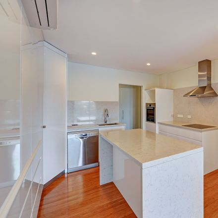 Rent this 3 bed apartment on 1/22 The Tor Walk