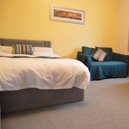 Rent this 4 bed room on Stanley Road in Stoke-on-Trent ST4 7PP, United Kingdom