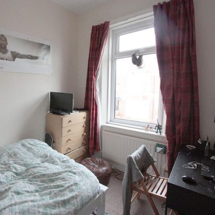 Rent this 6 bed apartment on Shortridge Terrace in Newcastle upon Tyne NE2 2JH, United Kingdom