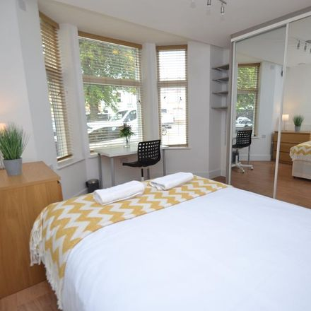 Rent this 3 bed apartment on Cogan Terrace in Cardiff, United Kingdom
