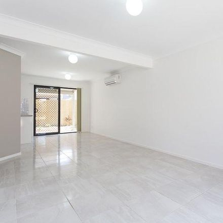 Rent this 3 bed townhouse on 75/120 Duffield Road
