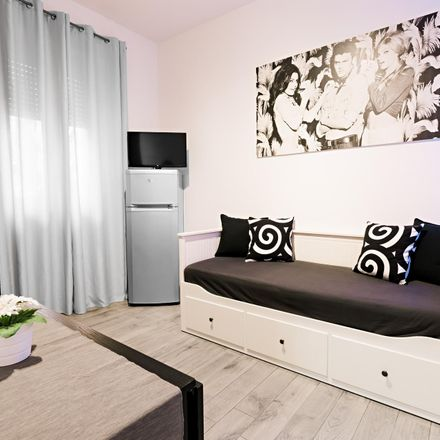 Rent this 1 bed apartment on Via Sant'Uguzzone in 20128 Milan Milan, Italy
