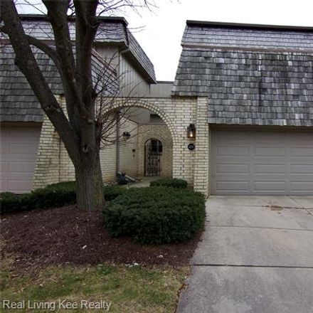 Rent this 3 bed condo on 1239 Oakwood Court in Rochester Hills, MI 48307