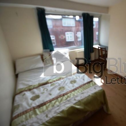 Rent this 8 bed house on Back Manor Drive in Leeds LS6 1GH, United Kingdom