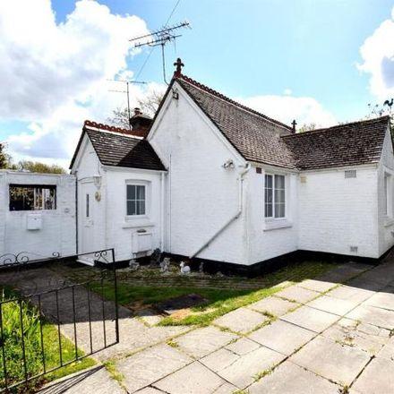 Rent this 1 bed house on Bayhorne Lane in Horley RH6 9ES, United Kingdom