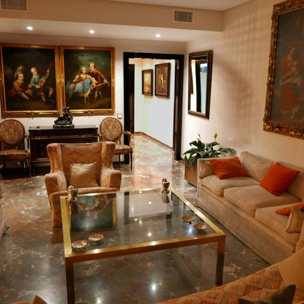 Rent this 4 bed apartment on Calle Virgen de Luján in 39A, 41011 Sevilla