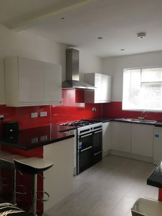 Rent this 6 bed house on Hillside Avenue in Plymouth PL4 6PD, United Kingdom