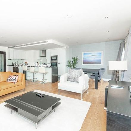 Rent this 3 bed apartment on The Park Clinic in Boulevard Drive, London NW9 5JH