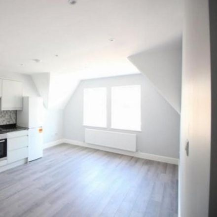 Rent this 2 bed apartment on Old Thai House in London Road, Surrey Heath GU15 3JS