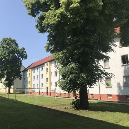Rent this 2 bed apartment on Lauestraße 33 in 06449 Aschersleben, Germany
