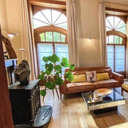 Rent this 3 bed apartment on Rue Potagère - Warmoesstraat 138 in 1210 Saint-Josse-ten-Noode - Sint-Joost-ten-Node, Belgium