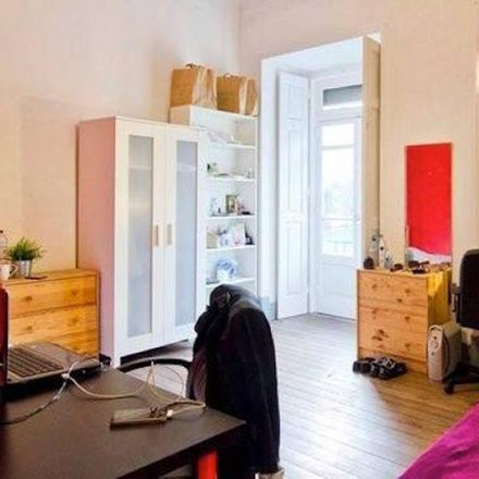 Rent this 5 bed room on Centro de Yoga Sivananda Vedanta Lisboa in Avenida Almirante Reis 238A, 1900-183 Areeiro