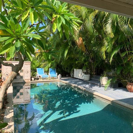 Rent this 3 bed house on 18th St in Key West, FL