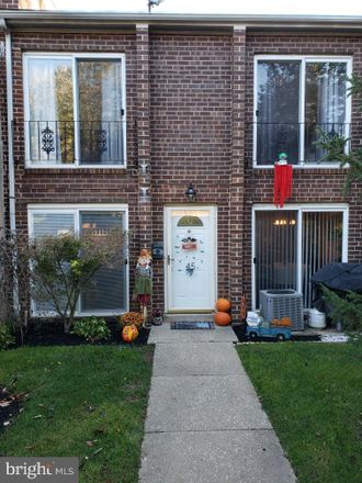 Rent this 2 bed townhouse on Ridge Avenue in Philadelphia, PA 19128