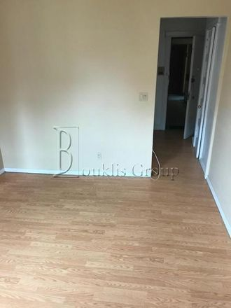 Rent this 1 bed apartment on 32nd Street in New York, NY 11101