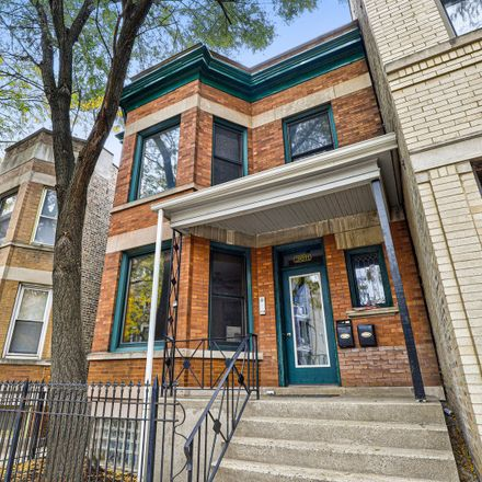 Rent this 2 bed townhouse on 3611 North Damen Avenue in Chicago, IL 60613