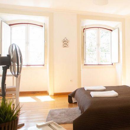 Rent this 3 bed apartment on Taqueria Pistola y Corazon in Rua da Boavista 16, 1200-070 Lisbon