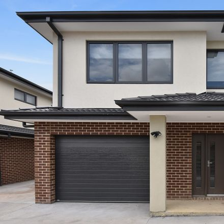 Rent this 3 bed townhouse on 2/20 East India  Avenue