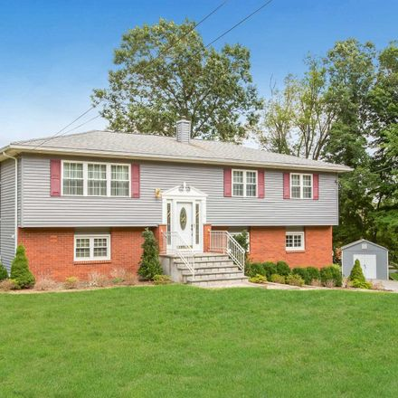 Rent this 3 bed house on Pheasant Pl in Carmel, NY
