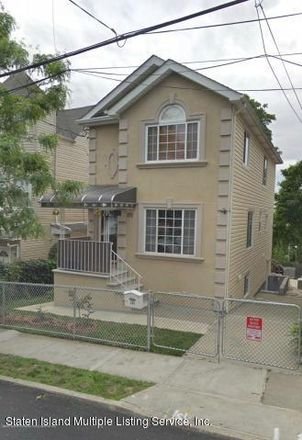 Rent this 3 bed house on 171 Benziger Avenue in New York, NY 10301