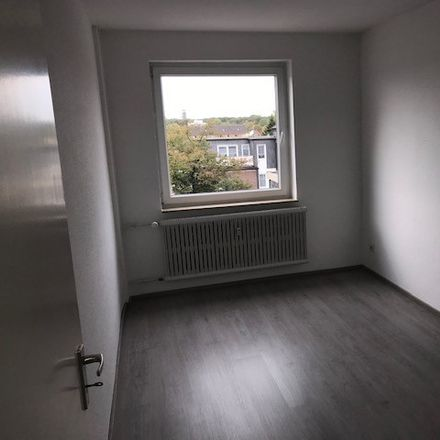 Rent this 3 bed apartment on Dr.-Hans-Böckler-Straße 1 in 47179 Duisburg, Germany