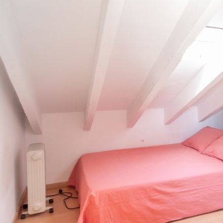 Rent this 4 bed room on Hostal Oriente in Calle Arenal, 23