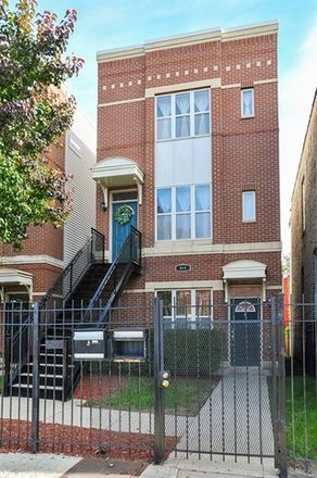 Rent this 2 bed condo on 919 South Kedzie Avenue in Chicago, IL 60624