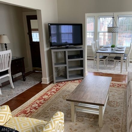 Rent this 4 bed apartment on Summit Ave in Summit, NJ