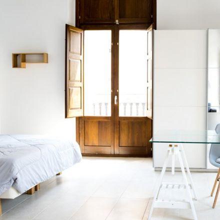 Rent this 4 bed apartment on Carrer de Francesc Baldomà in 46024 Valencia, Spain