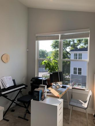 Rent this 1 bed room on 1715 16th Avenue North in Nashville, TN 37208