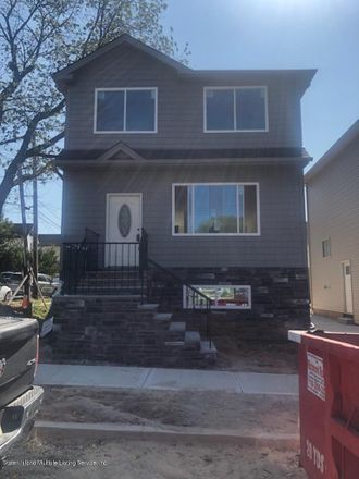 Rent this 3 bed house on 76 Westbrook Avenue in New York, NY 10303