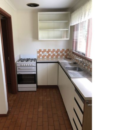 Rent this 2 bed apartment on 1/23 James Street