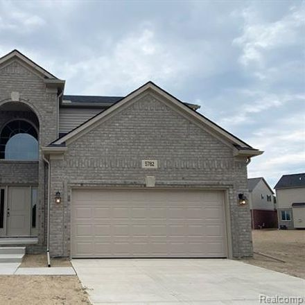 Rent this 4 bed house on Macomb