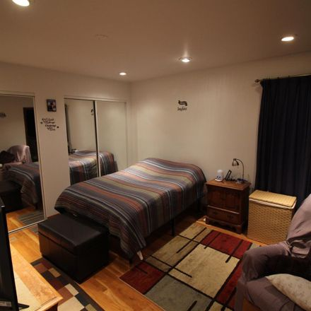 Rent this 1 bed room on Washington Avenue in Columbus, OH 43201