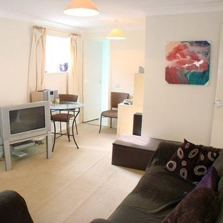 Rent this 1 bed apartment on Penn Road in Datchet SL3 9HU, United Kingdom