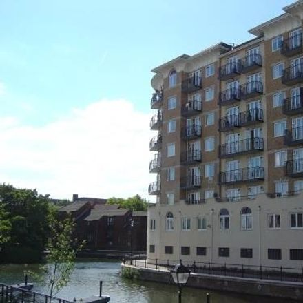 Rent this 2 bed apartment on Kennet Side in Blakes Quay, Reading RG1 3EW