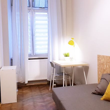 Rent this 4 bed room on Alkohole in Starowiślna 37, 31-038 Krakow