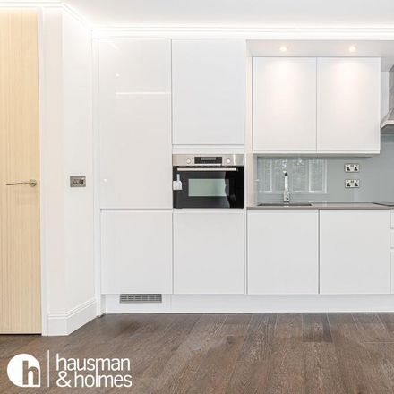 Rent this 1 bed apartment on Finchley Road in London NW11 8DN, United Kingdom