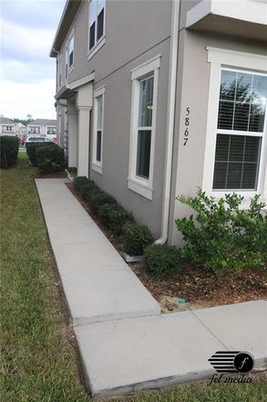 Rent this 3 bed townhouse on Chase Ct in Winter Garden, FL