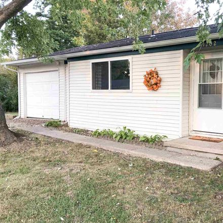Rent this 3 bed house on Thompson in Carterville, IL 62918