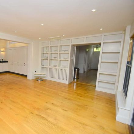 Rent this 6 bed house on East Anglia Tennis & Squash Club in Lime Tree Road, Norwich NR2 2NQ