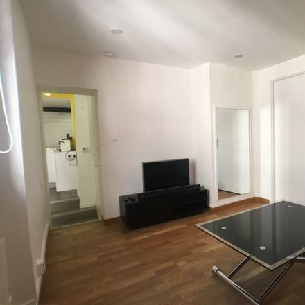 Rent this 1 bed apartment on Rue Neuve in Lyon, France