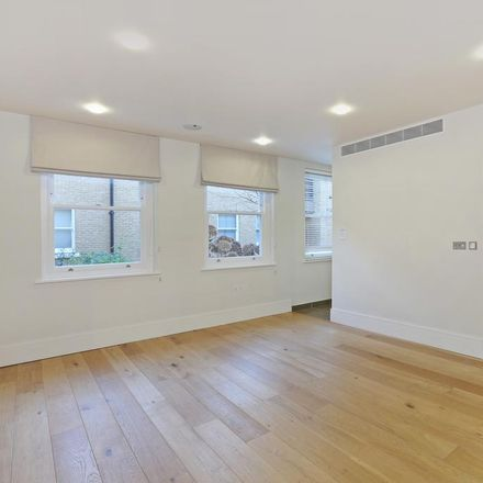 Rent this 2 bed apartment on Saatchi Gallery in King's Road, London SW3 4RY