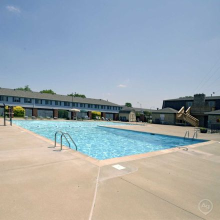 Rent this 1 bed apartment on 2131 Braeburn East Drive in Indianapolis, IN 46219