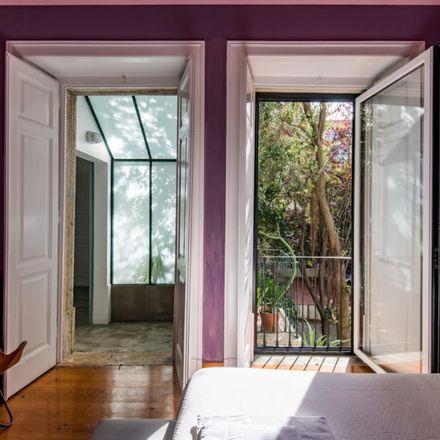 Rent this 6 bed room on Rua da Esperança do Cardal in Lisbon, Portugal