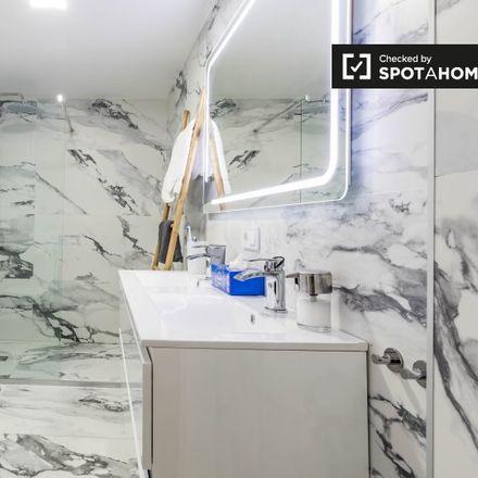 Rent this 2 bed apartment on Ropa de Hogar Marian in Carrer de Calvo Acacio, 46017 Valencia