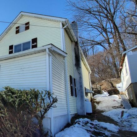 Rent this 3 bed house on 613 Washington Street in Portland, PA 18343