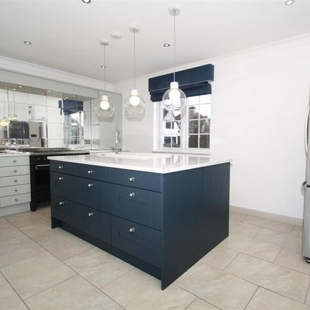 Rent this 4 bed house on Vaughan Avenue in Southend-on-Sea SS2 4UE, United Kingdom