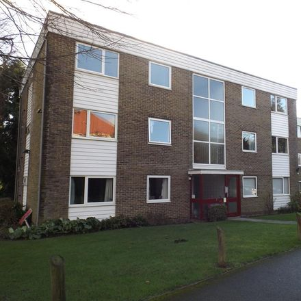 Rent this 2 bed apartment on Elmsleigh Court in Flat 1;2;3;4;5;6 Glen Eyre Road, Southampton SO16 3NT